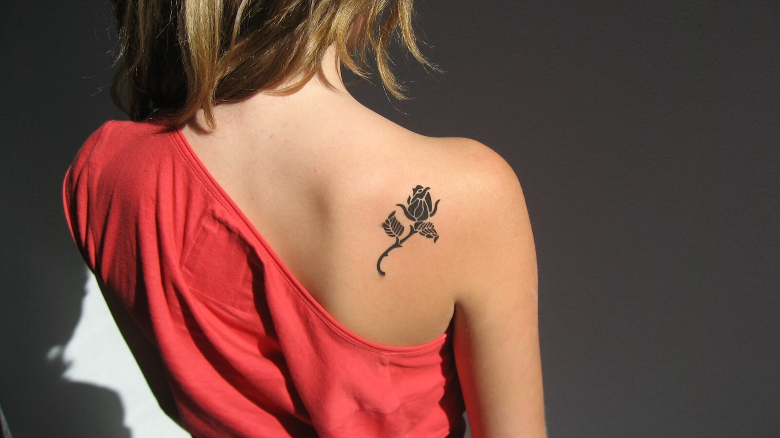 Exotic Black Rose Tattoo Designs on the Back