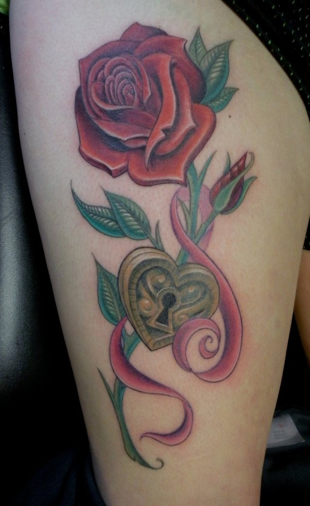 rose_tattoo_on_thigh